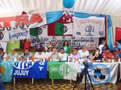 """Jujuy: Trabajadores estatales exigen la """"urgente"""" reapertura de las paritarias"""