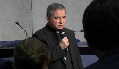 """Explican las claves de la dimisión del cardenal Becciu: """"Ya nadie es intocable en el Vaticano"""""""