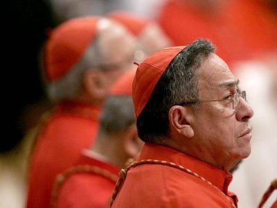 Cardenal Maradiaga: Bannon y Viganò forman una red anti-Francisco