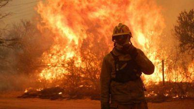 Incendios en Córdoba: pedirían ayuda a bomberos de otras provincias ante el descontrol del fuego