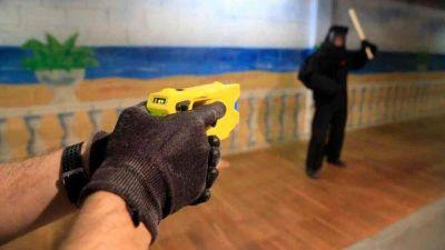El ministro de Seguridad de Córdoba confirmó que el ETER posee pistolas Taser