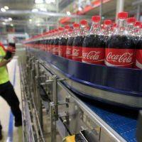 Coca-Cola se reorganiza y traslada su base regional de la Argentina a Brasil