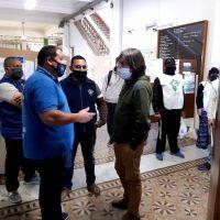 Sindicatos y trabajadores movilizaron al municipio por la situación salarial