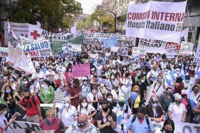 Más de 3 mil enfermeras de la Ciudad marcharon para exigir que se les reconozca su tarea profesional