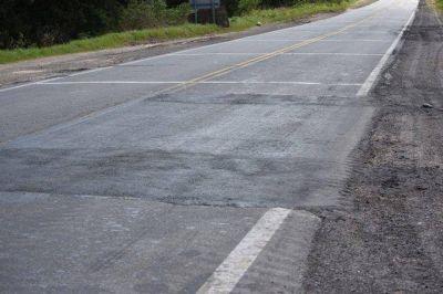 Ruta 1001: tras el reclamo del Gobierno local, continúan los trabajos de bacheo