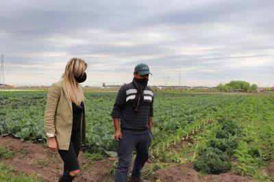 Fassi visitó un proyecto agroecológico