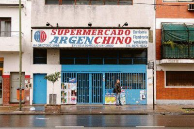 En cuarentena cerraron 200 supermercados chinos (las ventas cayeron 25%)