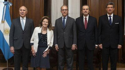 La Corte delibera para lograr un acuerdo mayoritario que defina la situación legal de Bruglia, Bertuzzi y Castelli