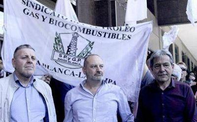 La Federación de Petroleros rechazó el acuerdo salarial entre YPF y gremios del sur