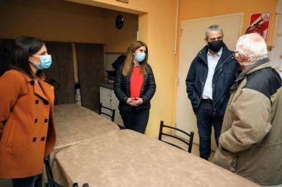 Ferraresi visitó obras y un centro de jubilados junto al ministerio de Desarrollo Social