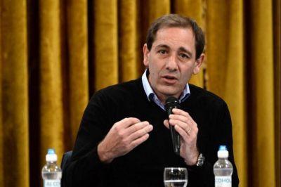 Garro confirmó que La Plata se encamina a utilizar Pistolas Taser