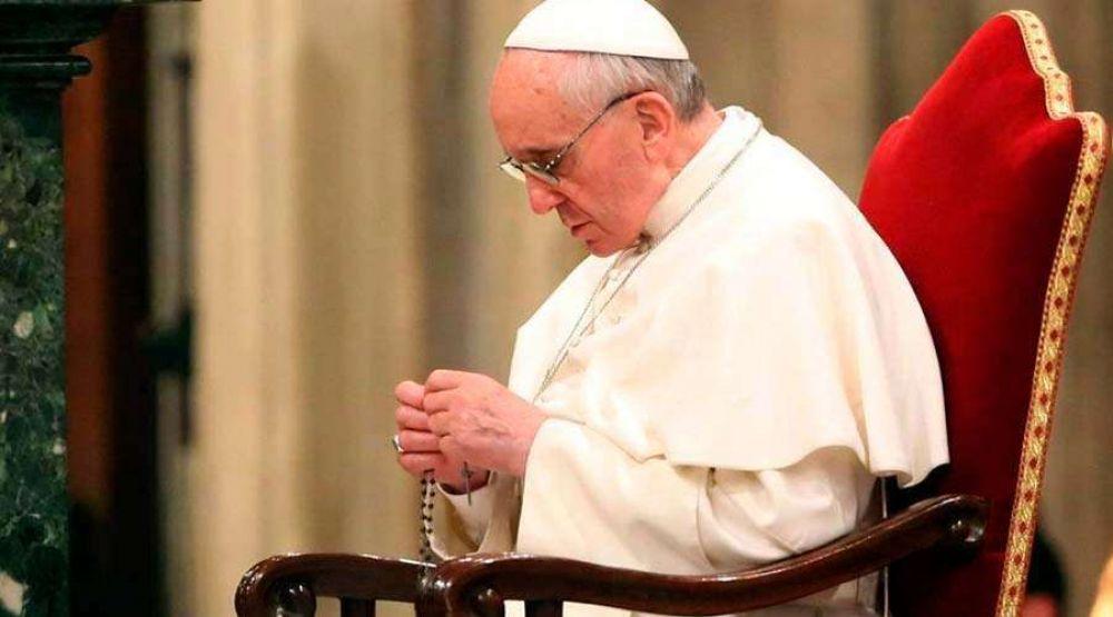 Papa Francisco: El Rosario es el arma que nos protege de los males