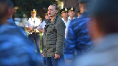 Berni cruzó a los intendentes del PRO por las Taser: