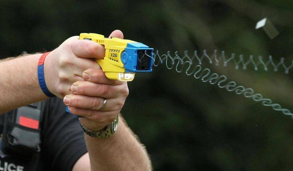 Tres de Febrero quiere utilizar las Pistolas Taser