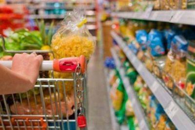 El ajuste que más se siente: caen 3,1% las ventas de los alimentos más básicos