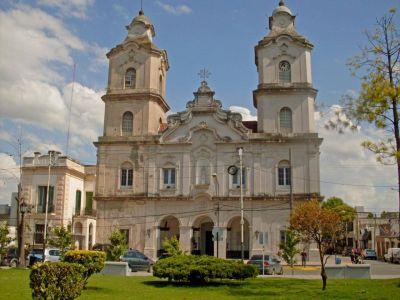 Habilitan la celebración de misas y la asistencia a los templos