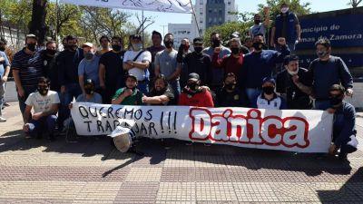 Lomas: Trabajadores de Dánica marcharon a la Municipalidad