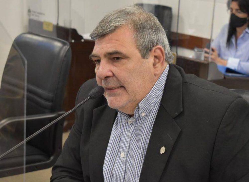 El jefe de la bancada opositora, rechazó que se avance en un nuevo aumento en la tarifa de luz