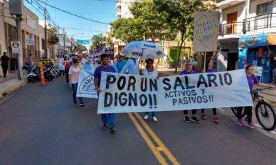 Desde la UCR proponen ley de paritarias docentes en Misiones