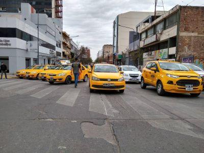 Taxistas anunciaron un paro y movilización para el próximo miércoles