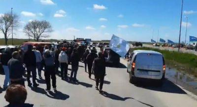 Nueva caravana de protesta de propietarios no residentes que piden entrar a la costa