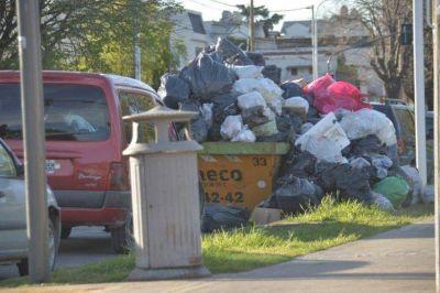 El conflicto con recolección no se solucionó y la ciudad sigue repleta de basura