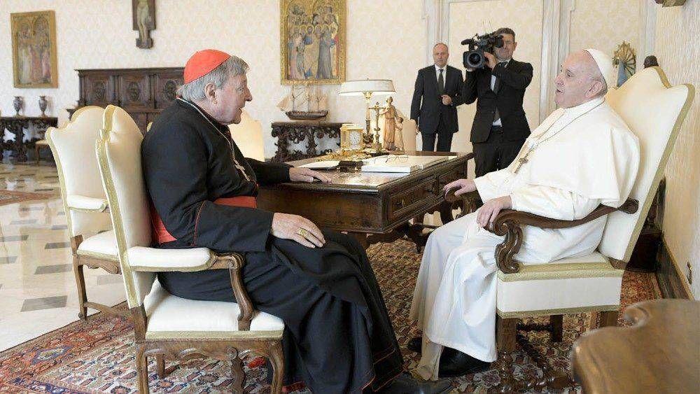 El Papa Francisco recibe al Cardenal George Pell