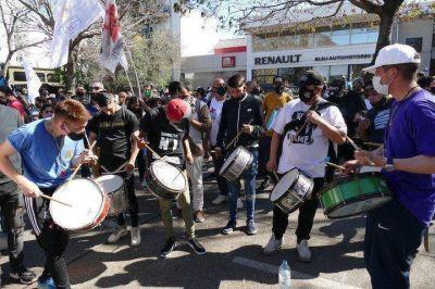 Tensión frente a la Quinta de Olivos por dos marchas a favor y en contra del Gobierno