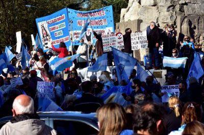 Marcha y banderazo en Mar del Plata en contra del Gobierno