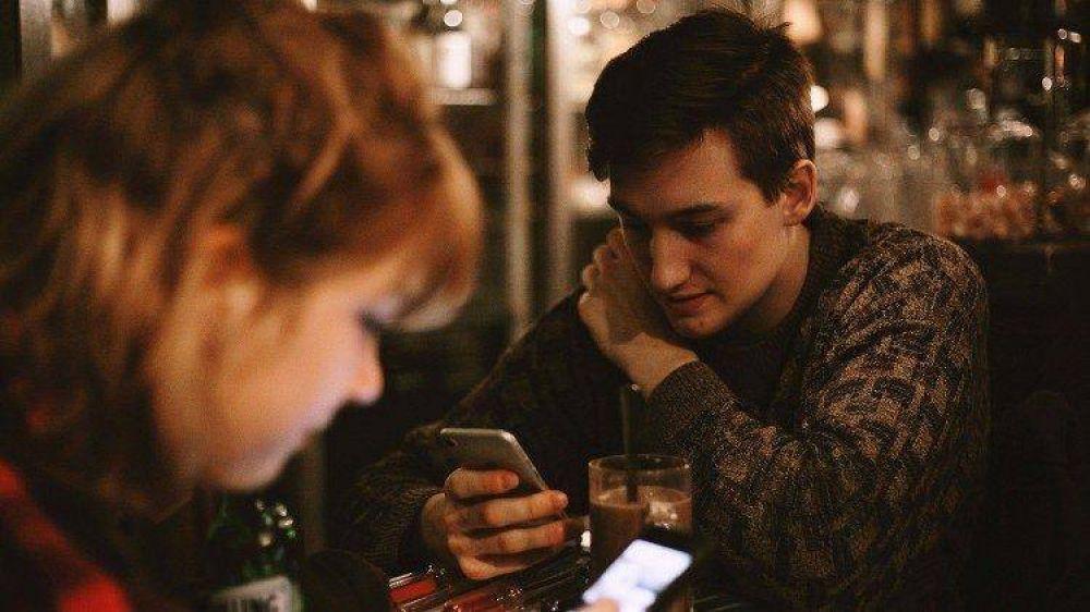 """CELAM: """"No permitamos que las redes sociales invadan nuestra vida"""""""