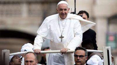 """El Papa invita a sumarse a la iniciativa """"un millón de niños rezan el Rosario"""""""
