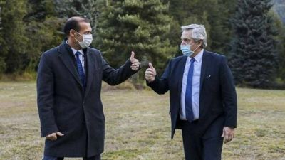 Llega el presidente Fernández en un clima enrarecido