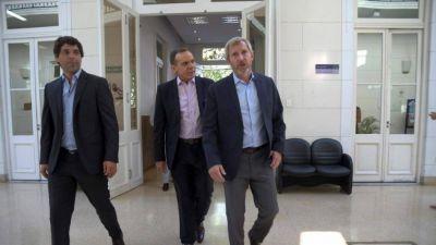 Frigerio y Monzó cruzan a Macri: