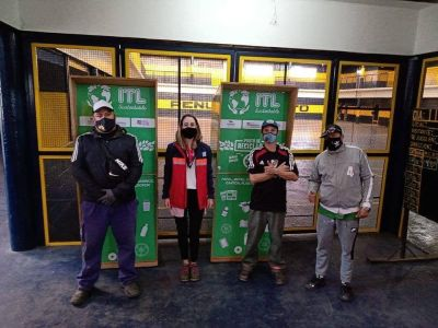 EL Grupo ITL donó dos acopiadores de residuos reciclables para vecinos de Dock Sud