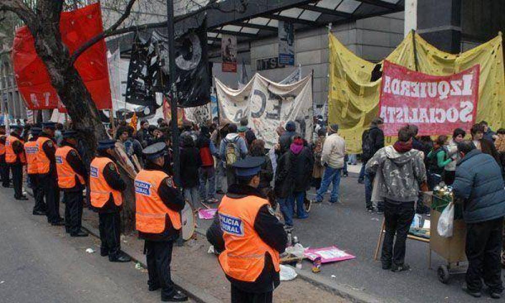 Marchas gremiales volverán a complicar el tránsito en Capital