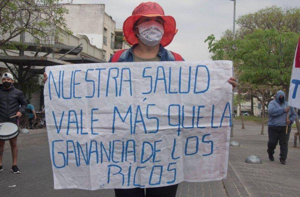 Nueva protesta de APROSCa: insisten con ser recibidos por el Gobernador
