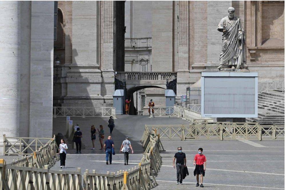 Vaticano: se abrió un juicio sin precedentes por abuso a un monaguillo