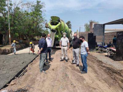 Vialidad Provincial avanza con el pavimento en Fontana