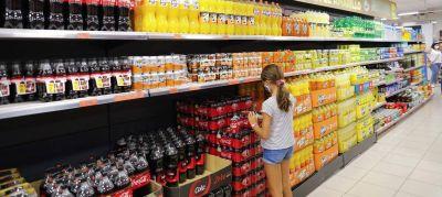 El Gobierno subirá el IVA de los refrescos del 10% al 21%