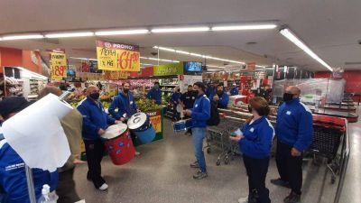 Bono supermercadista: las seccionales de Comercio llevan el conflicto a las sucursales