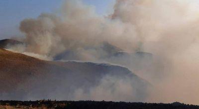 Incendios: bomberos combaten dos frentes en Capilla del Monte y uno en Traslasierra