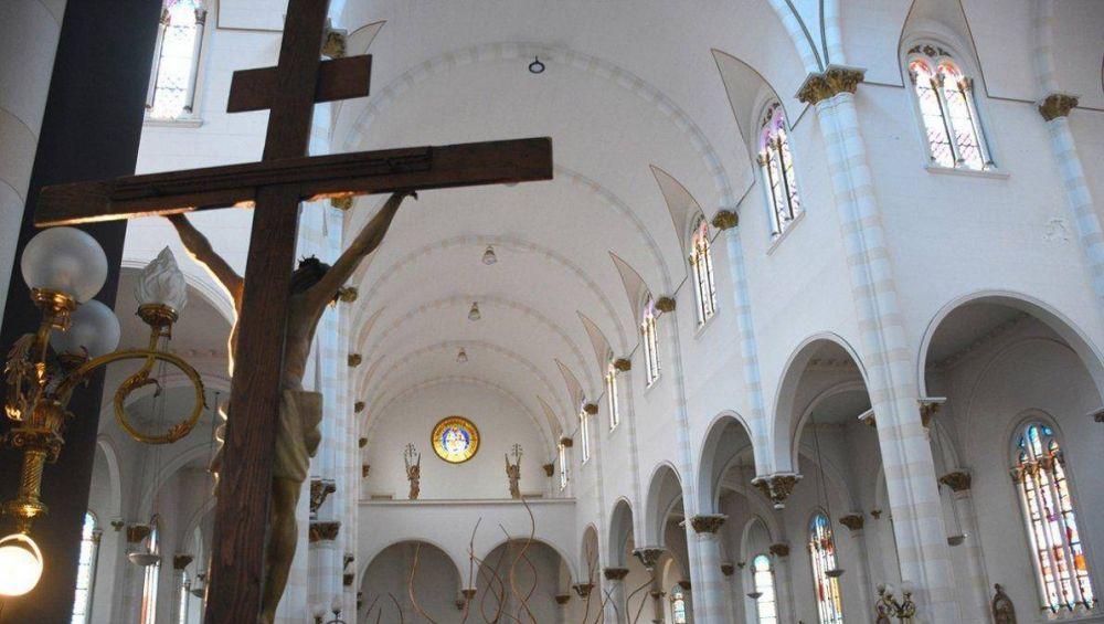 Después de la polémica, la Provincia habilitó misas de hasta 30 personas