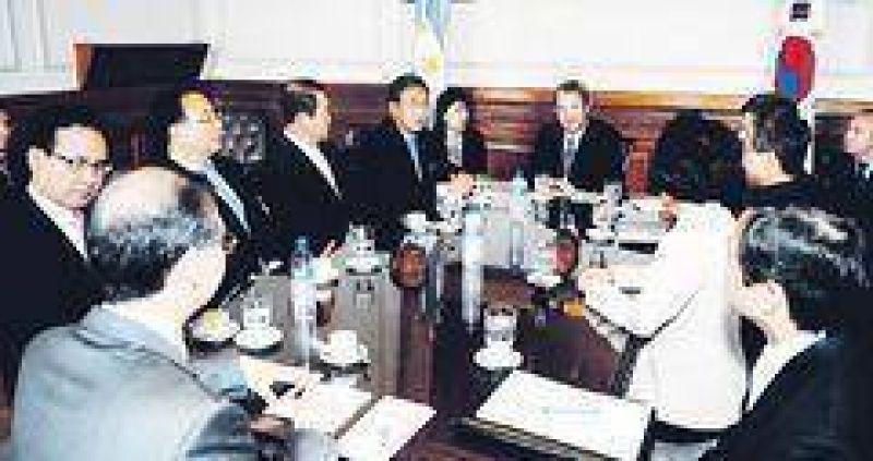 UCR: Cobos explora mediación alfonsinista