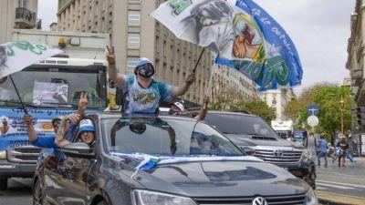 Los camioneros lideraron una caravana peronista en la Ciudad
