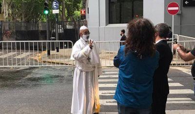 El color del 17 de octubre: el Papa camionero, el chorimovil y los codazos en azopardo