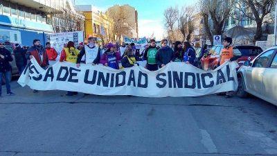Sin acuerdo con el gobierno, comienza el paro general anunciado por la Mesa de Unidad Sindical