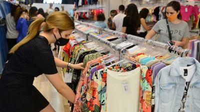 Las ventas por el Día de la Madre disminuyeron un 24,8 por ciento con respecto al 2019