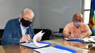 Tres Lomas: firman importante inicio de obra