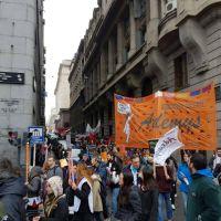 """Trabajadores de la educación realizaron una caravana """"en rechazo a la presencialidad"""""""