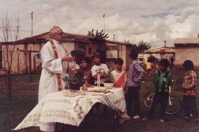 Estrenaron el documental sobre la vida y el legado del sacerdote jesuita